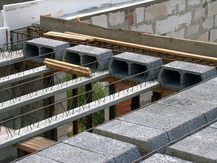 Конструкция перекрытия из пустотелых керамзитобетонных блоков