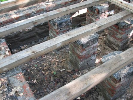 Сваи под фундамент дома