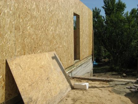 Стена из панелей