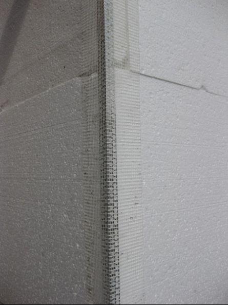 монтаж фасадного уголка с сеткой