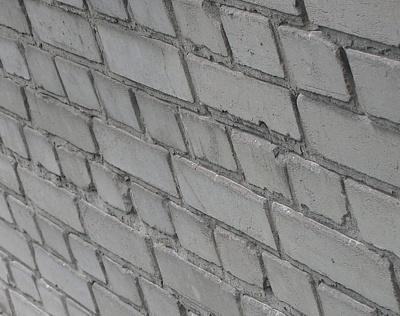 Поверхность кладки из силикатного кирпича после долгой эксплуатации