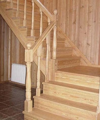 Четвертьоборотная маршевая лестница