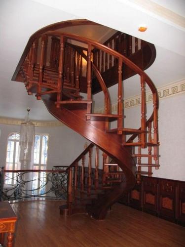 Круговая маршевая лестница