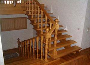 Маршевая лестница без подступенников
