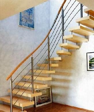 Перила лестниц на больцах