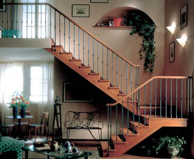 Полуоборотная маршевая лестница