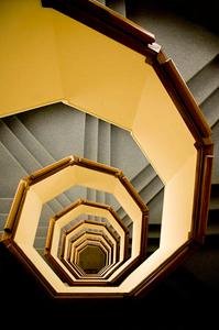 Восьмиугольная винтовая лестница