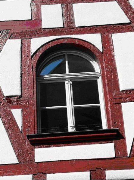 Западно-европейский стиль-форма окна