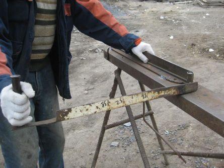 Пример гнутья арматуры на самодельном станке.