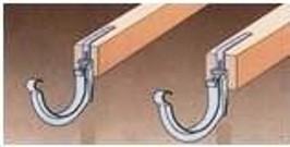 монтаж држателей жлоба на стропила